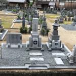 伊賀市平田 凉泉寺墓地にて巻石とお墓の建て替え工事をしました。(30.6.11)