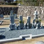 伊賀市長田の西蓮寺にて、大島石のお墓を建てました。