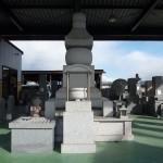 大島石・庵治石など国産墓石展示しております。