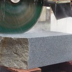 大島石の墓石が出来るまで ~原石から工場での加工、文字彫刻まで、伊賀市~