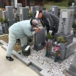 伊賀市外山のお寺にて霊標の追加彫刻をしました(17.4.12)