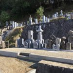 代々墓と霊標と五輪塔を建立しました(福岡産唐原石)。古いお墓をまとめる工事や巻石の修繕などもしました。名張市下比奈知の永福寺様にて